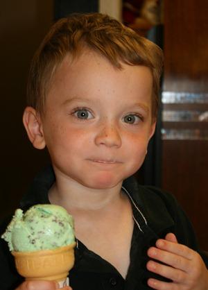 Minnesoda Ice Cream Shop at Cabin Julu 2011 (4)