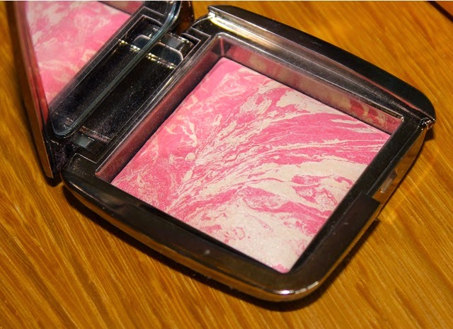 Hourglass Ambient Lighting Blush Diffused Heat 2