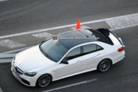 2014-Mercedes-Benz-E-Class-Sedan-2b
