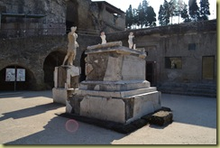 Nonius Balbo Plinth and Statue