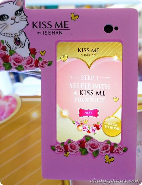 Kiss Me Selfie6