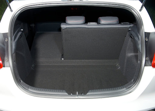 Yeni-Kia-Pro-Ceed-GT-2014-79.jpg