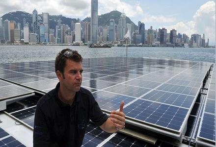 barco-que-funciona-en-hong-kong-con-energia-solar