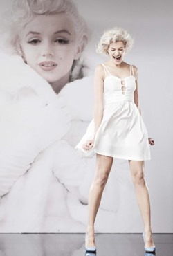 Marilyn_Monroe__only_at_Macy's