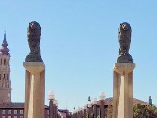 Leones Puente de Piedra Zaragoza Francisco Rallo