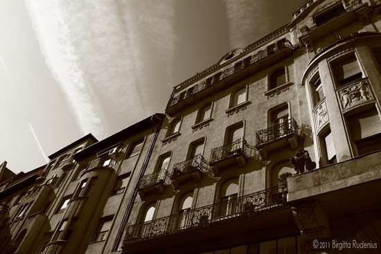 house_20110925_skyMC