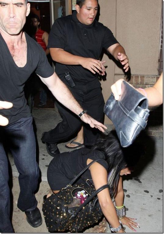 celebrities-falling-down-11