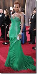 Viola-Davis_Jimmy-Choo_Oscars_ShoesNBooze