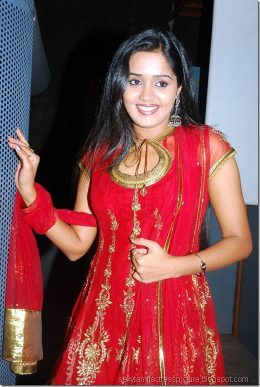 beautiful-ananya-stills-in-red-churidar