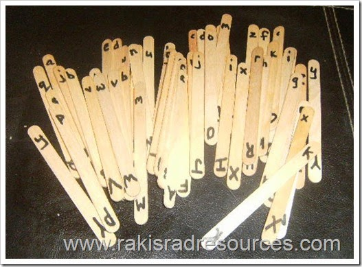 Craft stick literacy center - write letters on craft stick and then let kids use them to spell words, learn alphabetical order, and more.  Ideas from Raki's Rad Resources