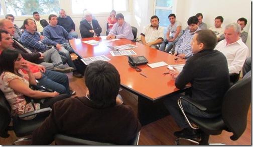 Juan Pablo de Jesús en reunión con representantes del fútbol local