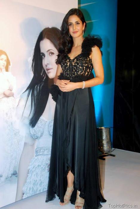 Katrina Kaif Beautiful Pics in Black Lace Dress 9