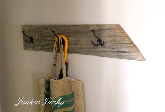 Barn boad coat hook at www.junkinjunky.blogspot.com