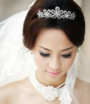 Korean bridal wedding hairstyle korean hairstyle trend Belleza fancy medium wavy hairstyles