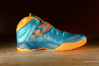 nike zoom soldier 7 gr turbo green 2 04 Release Reminder: Zoom Soldier VII Turbo Green / Atomic Mango