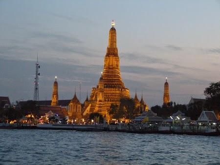 28. Wat Arun - Bangkok.JPG
