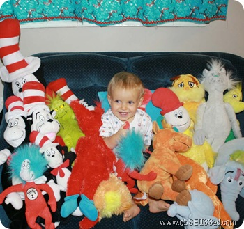 baby_smile_seuss_stuffed_animals_obSEUSSed_1