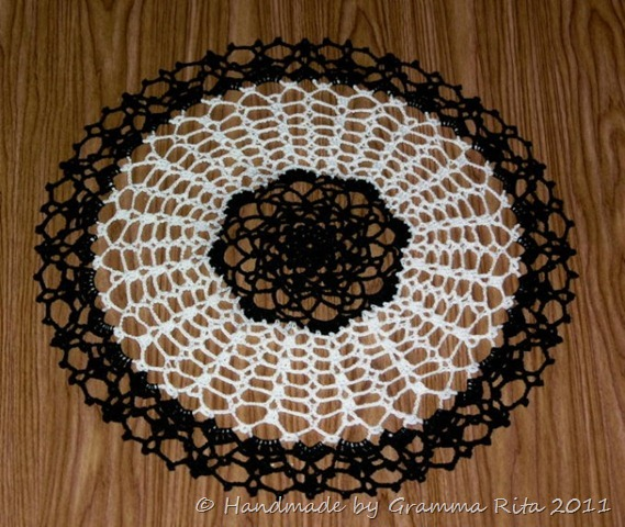 Candy_dish_doily_in_b_w_sized
