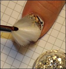 Blüten Nail Art Tutorial Glitter 2