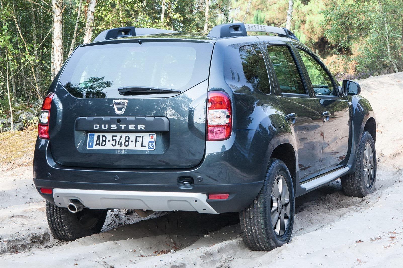 Dacia-Duster-2014-16.jpg