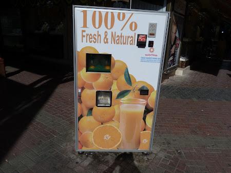 Bautura Emirate: automat de suc natural