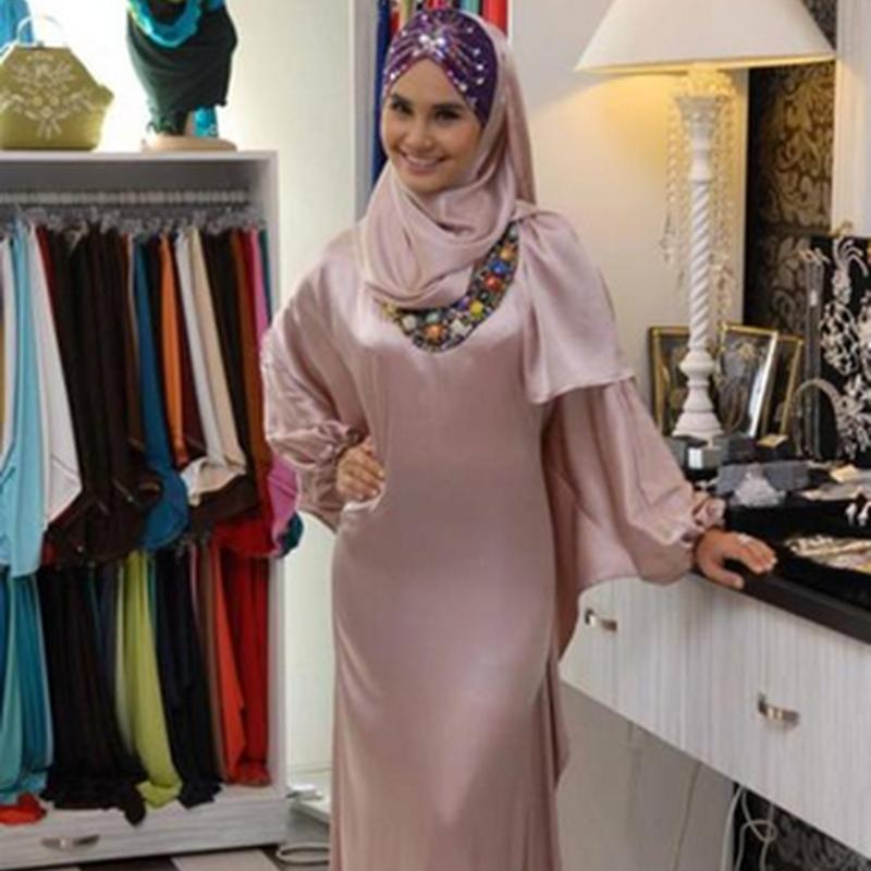 Pakaian wanita muslimah ?