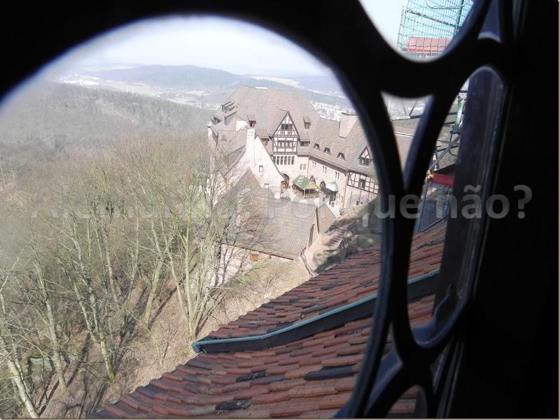 Vista de uma das janelas do castelo