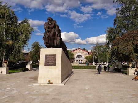 Obiective turistice Chisinau: Monument victime staliniste