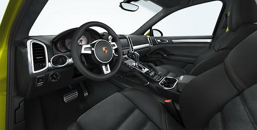 2013-Porsche-Cayenne-GTS-15.jpg