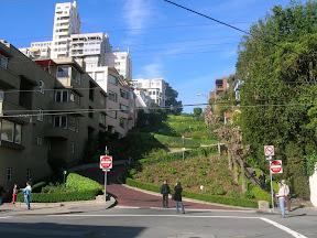 211 - Lombard Street (Crookeded street).JPG