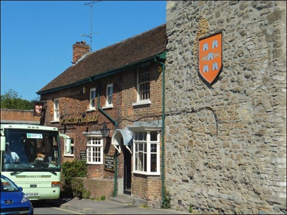 Winchester Arms 02