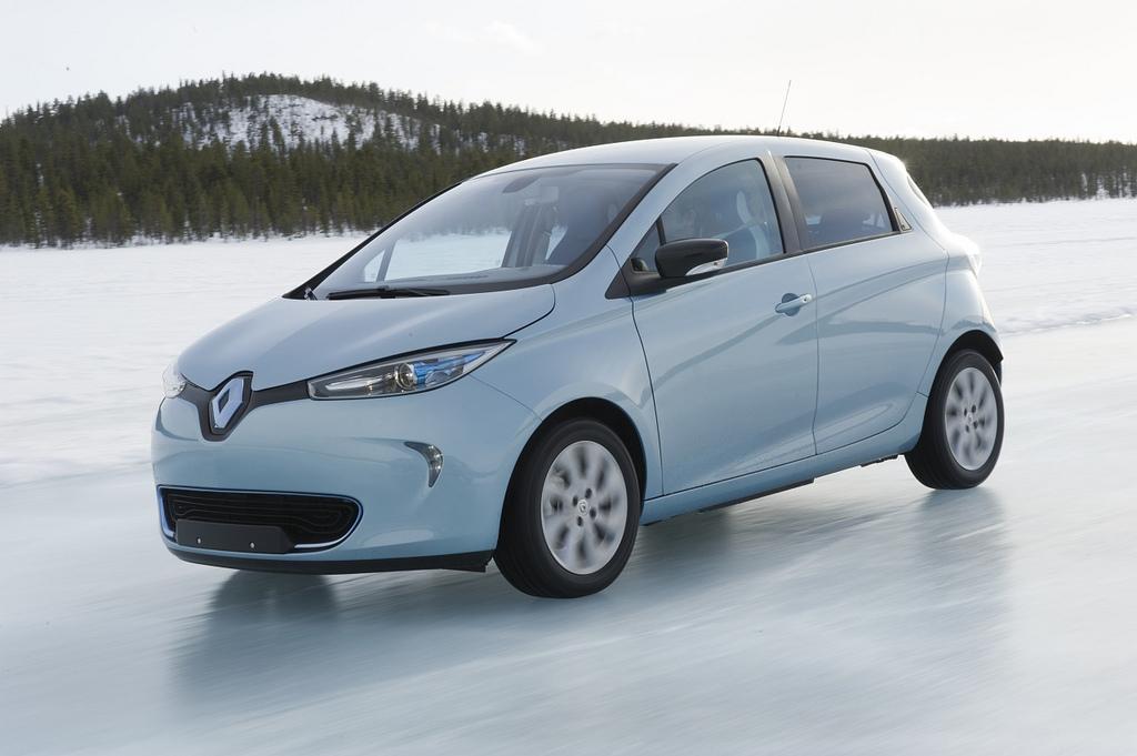 [Resim: 2013-Renault-ZOE-A-New-World-Record-7.jpg?imgmax=1800]