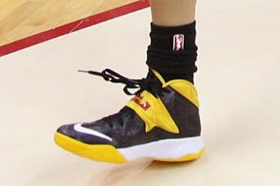 wearing brons wnba soldier7 skylar diggins 07 Skylar Diggins Rocks Soldier VII Tulsa Shock Away PE in WNBA Debut