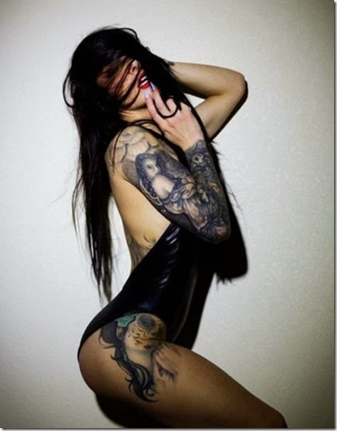 hot-tattooed-women-018