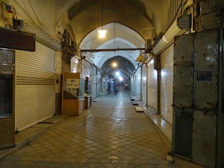 05. Bazarul din Yazd noaptea.JPG