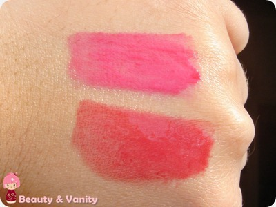 Confronto tra l'Essence Stay with me #04 e il Rouge Allure Extrait De Gloss #58 di Chanel