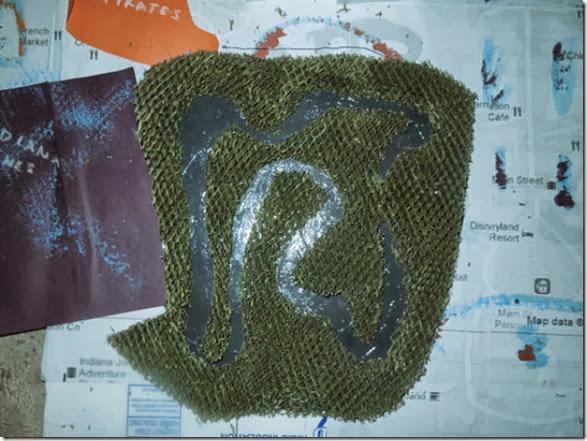 disneyland-map-costume-48