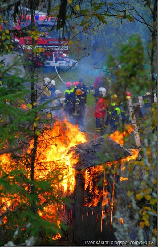 24H palomiehenä ulkorakennuksen polttaminen 271