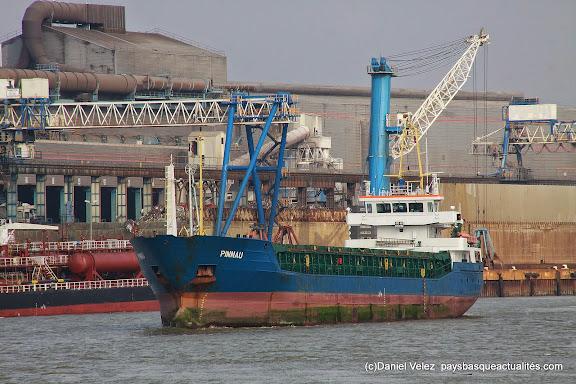 Dans le port de Bayonne...