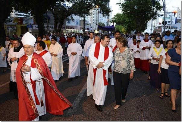 Governadora participa de procisão durante semana Santa - Elisa Elsie (3)