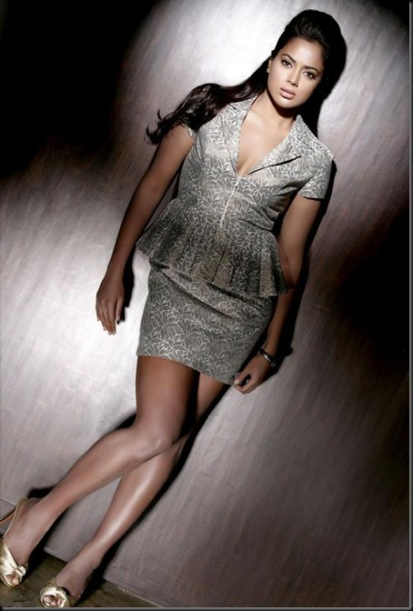 Sameera Reddy New Photoshoot