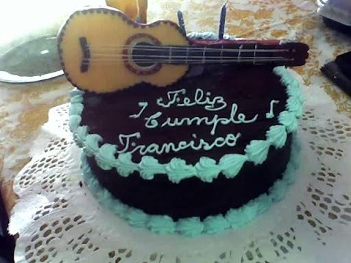 Torta De Guitarra