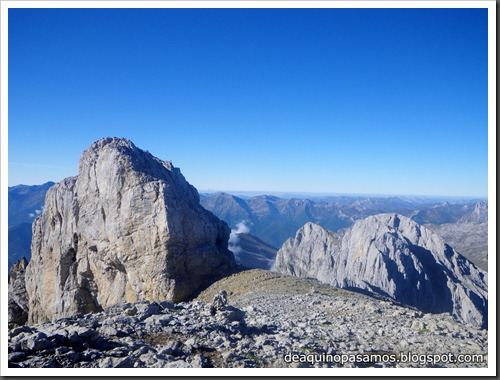 Jito Escarandi - Jierru 2424m - Lechugales 2444m - Grajal de Arriba y de Abajo (Picos de Europa) 0073
