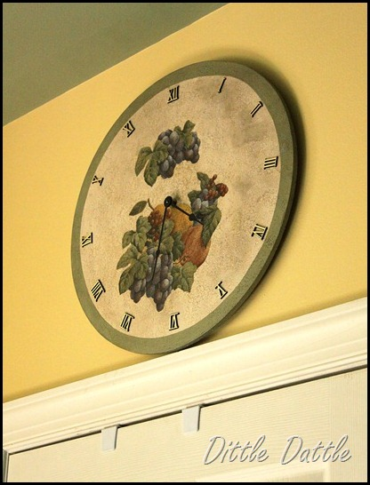 Wall-paper-cut-out-kitchen-clock