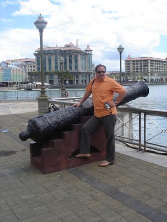 Imagini Mauritius: Promenada cu tunuri din Port Louis