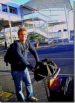 Landing in Auckland_640x480