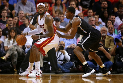 lebron james nba 140312 mia at bkn 08 LBJ Debuts LeBron 11 Elite Home PE, but Goes Back to Soldier 7!