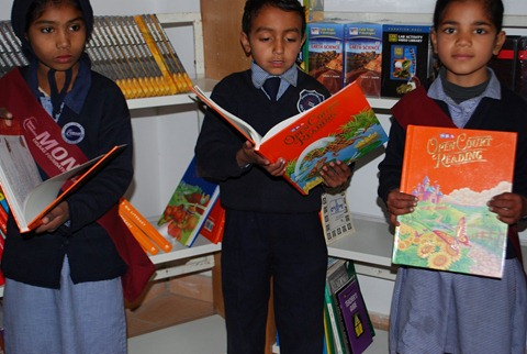 Rotary Books for the World_Hashoo Foundation Distribution (101)