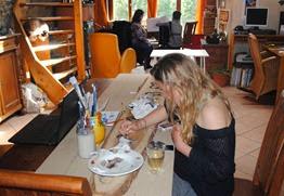 Izzy painting pony's
