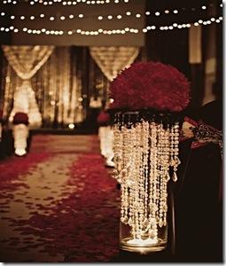 decoração com rosas e cristais